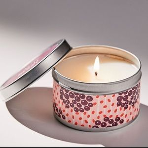 Urban Outfitters açaí berry soy candle